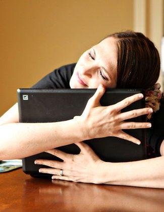 Mama Kat hearts her laptop