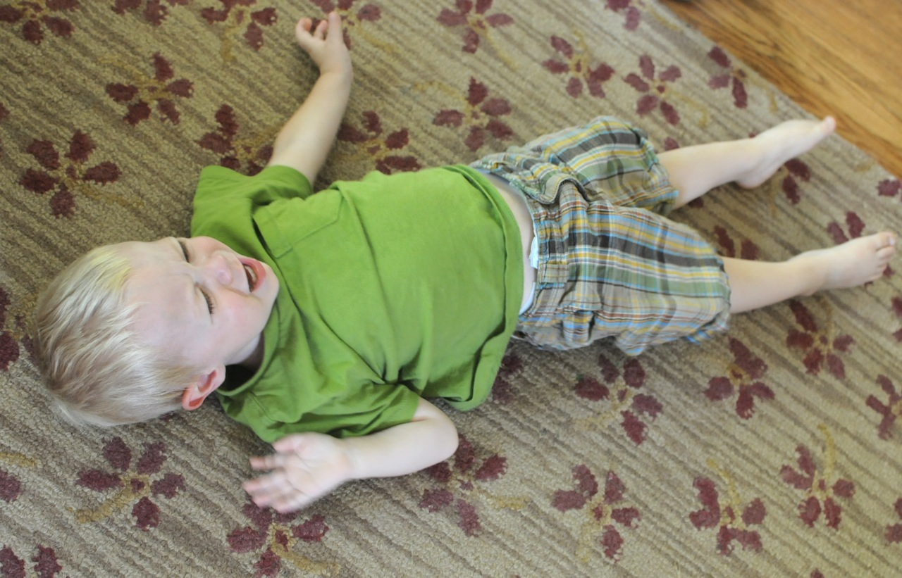 the characteristics of temper tantrums in toddlers Temper tantrums: guidelines for parents by robert g harrington, phd university of kansas every teacher of young children and every new parent can expect to witness some temper tantrums in children from age 1–4 years.