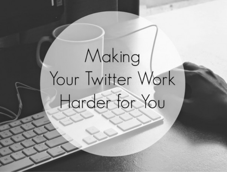 Learn how to build a community on Twitter to grow your blog.