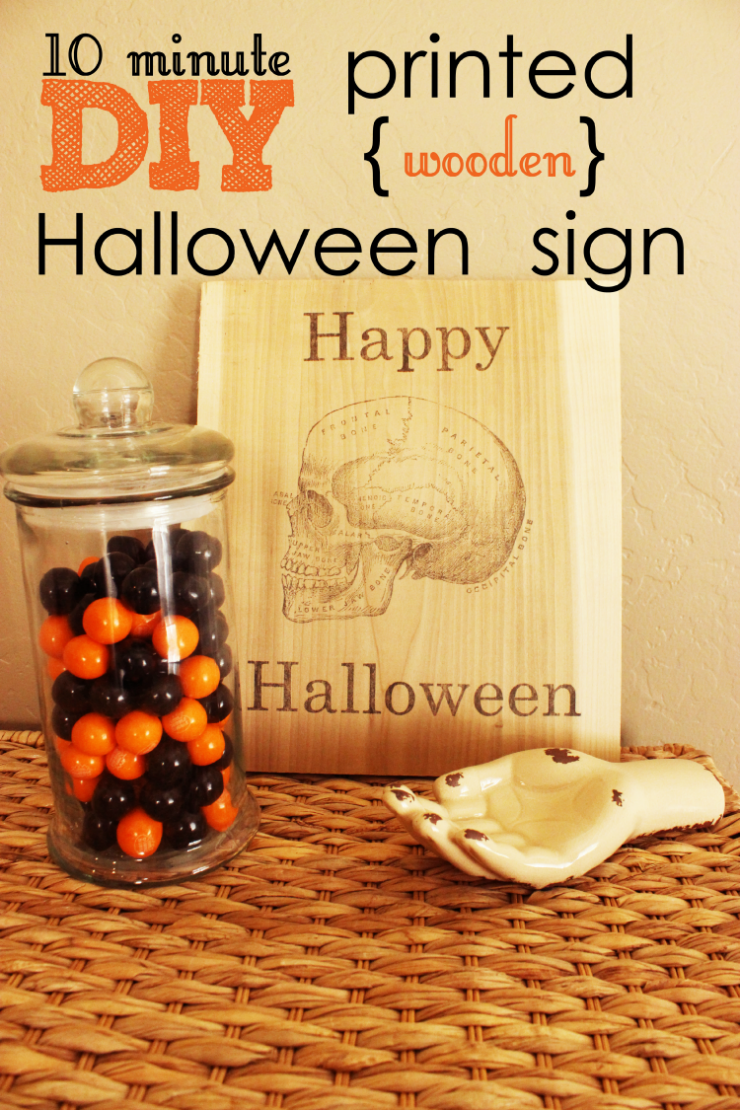 DIY Wooden Halloween Sign | Love how easy it is to make a custom wooden sign for a Halloween decoration!
