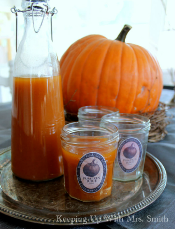How to make Magically Delicious Pumpkin Juice inspired by the Harry Potter books and movies.