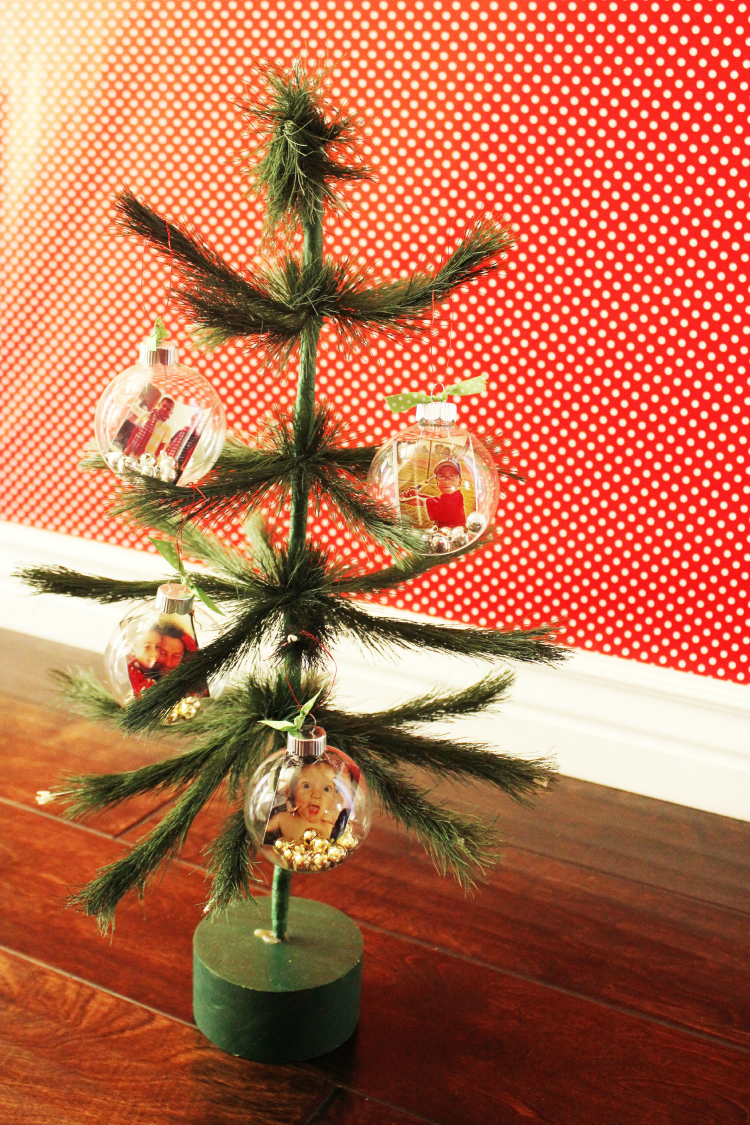 Small Christmas tree with Instagram Photo Ornaments. Cute idea for Christmas home decor.