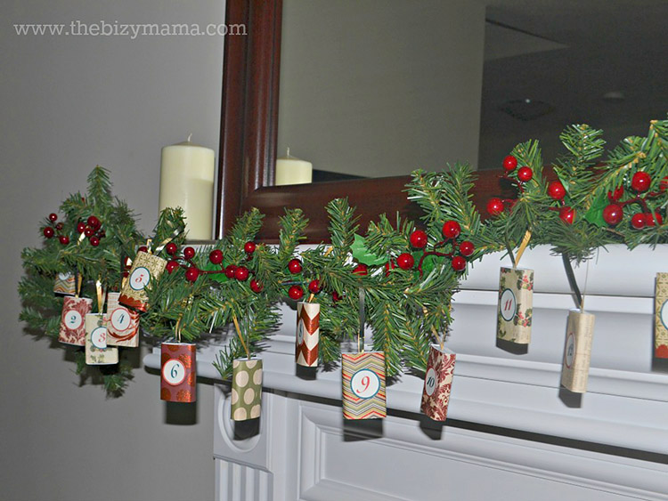 DIY mantle garland. Christmas decor for advent.