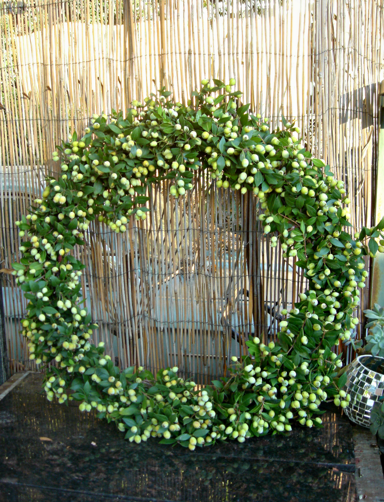 Finished Christmas wreath, it was easy to make and looks really full and pretty when finished.