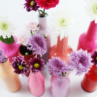 Turn glass bottles into beautiful vases with this easy painting technique. A perfect DIY for Valentine's Day.