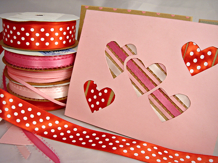 I love this peek-a-boo valentine card! It is super cute and easy to make.