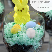 This is the perfect Easter treat! Every peep needs a dirt cup parfait!