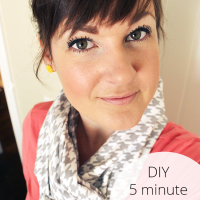 Add a touch of style to your spring wardrobe this DIY infinity scarf - it is super easy to make and only takes 5 minutes!
