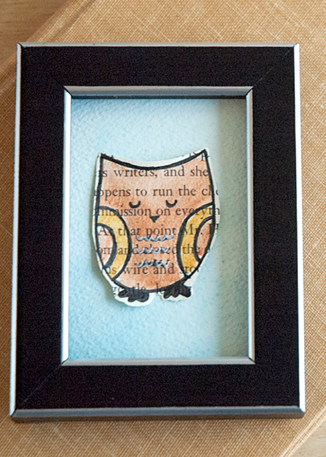 Make your own owl art with this book page art tutorial.