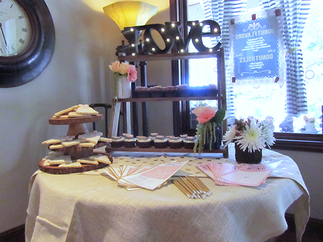 Love this DIY cupcake stand | bridal shower ideas