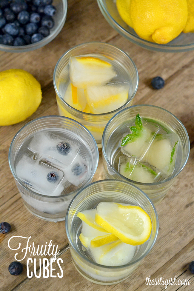 Make your drinks extra fun with fruit-infused summer ice cubes. This is a great way to brighten up the drinks at your summer party, or get your kids to drink more water.