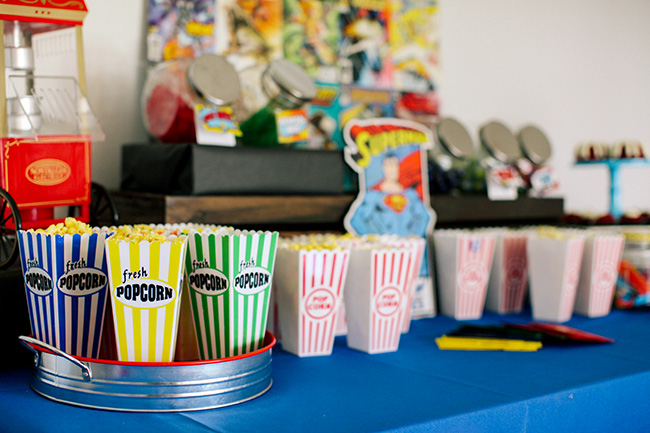 Popcorn bars are a lot of fun for a kid's party. They can mix popcorn and candy in little treat bags for a fun snack.