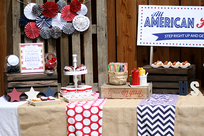 Desserts are a must at a party. Give your guests lots of choices - this 4th of july party has cookies, push pops, mini bunt cakes and ice cream. YUM!