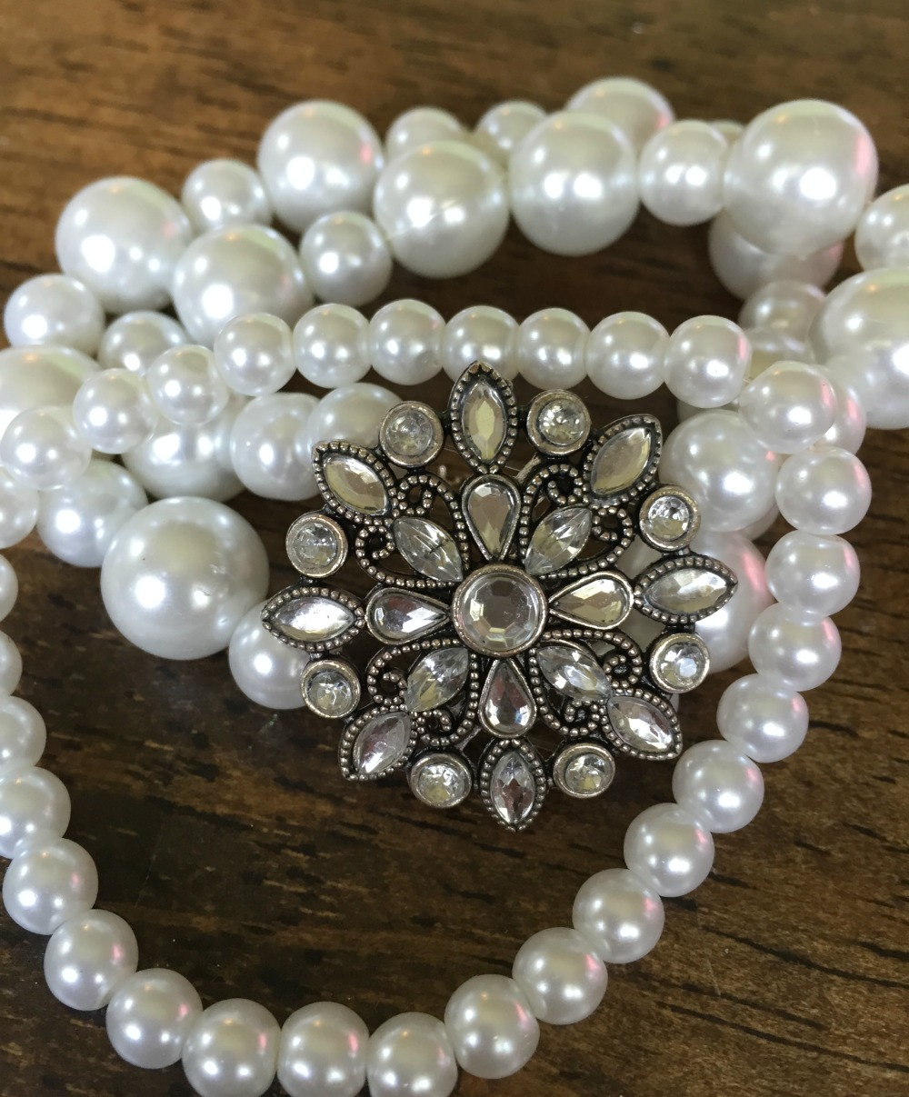 A cute chunky necklace is as easy as stringing some pearls. Get this and more DIY jewelry tutorials by clicking here.