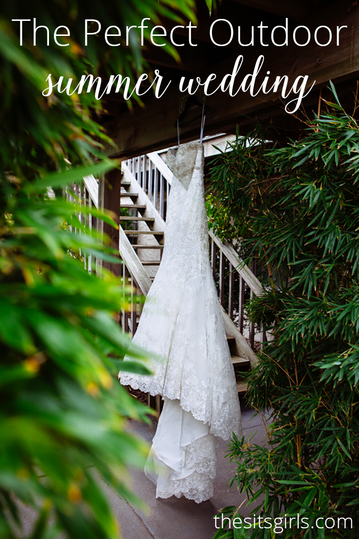 Ideas for a beautiful outdoor wedding on a budget | DIY Wedding Ideas | Trail mix bar, tablescapes, kids activities, cake table, and more. This is the perfect outdoor wedding.