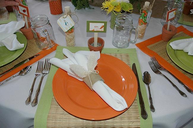 Cute tablescape for a summer garden party!