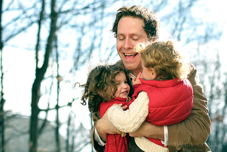 Hugging Family | Photography Tips for taking pictures of the people you love.