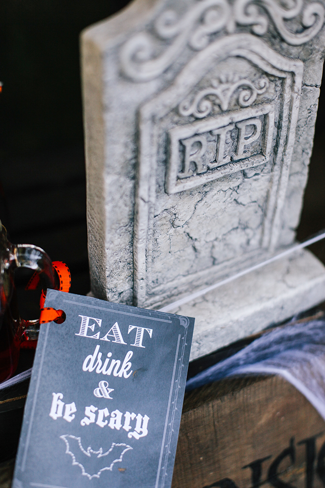 Gravestones are the perfect way to accesorize any Halloween party!