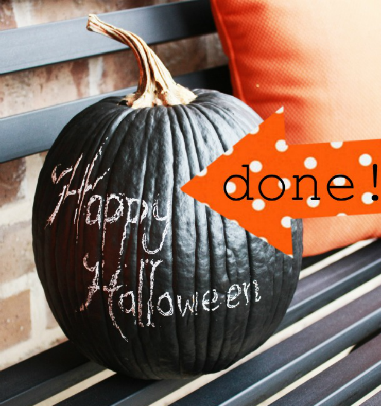 It's easy to decorate for Halloween by using chalkboard paint for your pumpkin painting project!