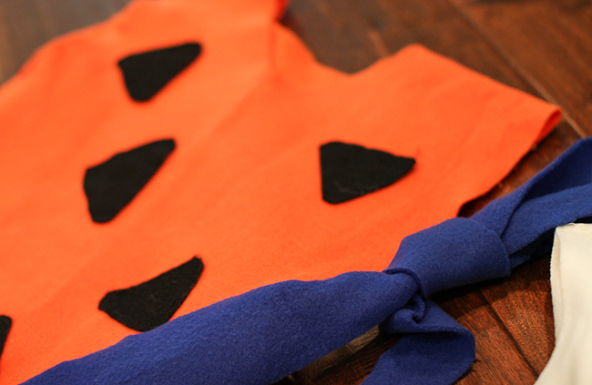 Felt is the perfect fabric to make this super cute Flintstones costume!