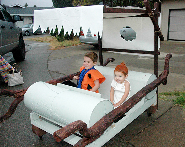 Fred and Wilma Flintstoneu0027s car! Great addition to a Flintstone Halloween Costume!  sc 1 st  The SITS Girls & Fred And Wilma Flintstone Costume DIY | Halloween