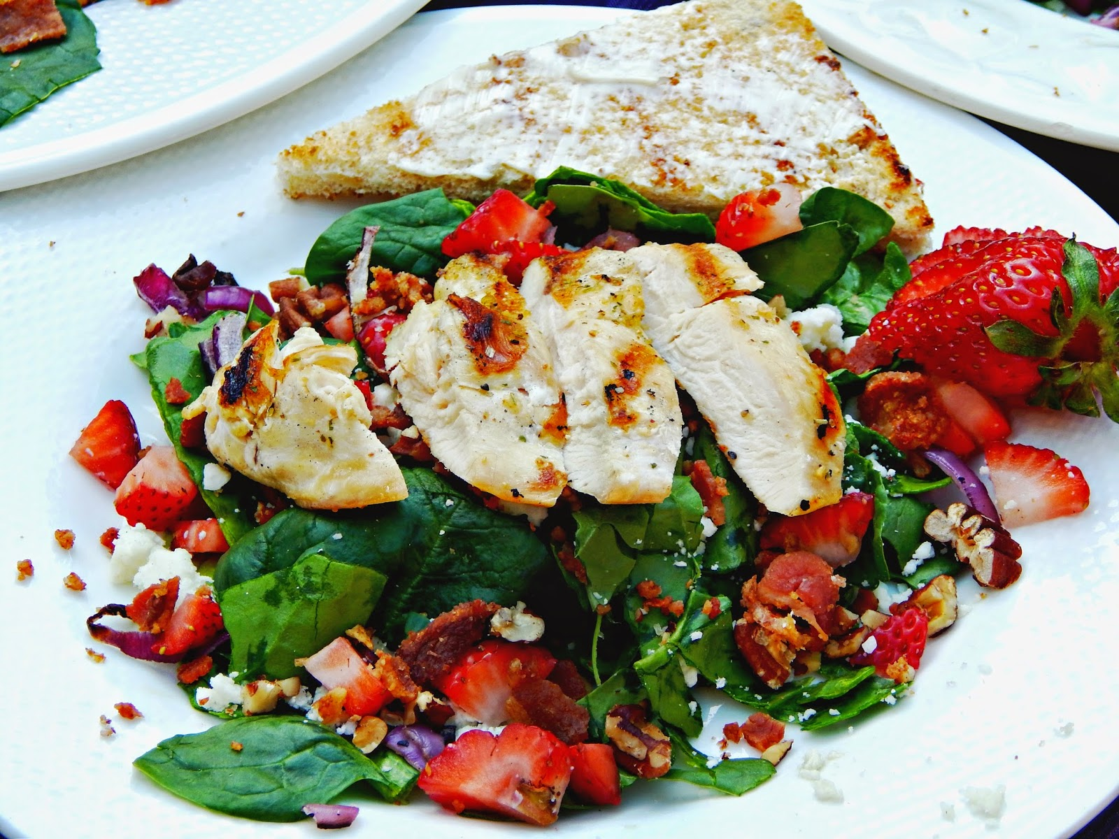 Strawberry grilled chicken salad is healthy and delicious!