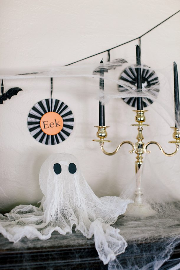 cute cheesecloth ghosts are such a fun DIY!