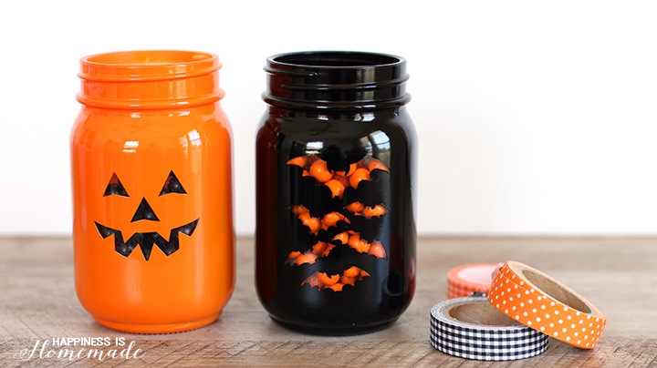 How cute are these treat jars for halloween gifts! Super easy too!