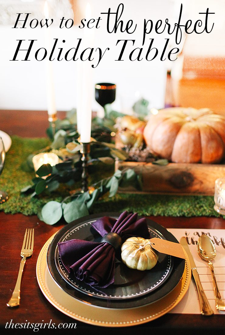 Great ideas for setting a beautiful table for Thanksgiving with deep, rich colors. Includes free printable placemats for adults and kids!
