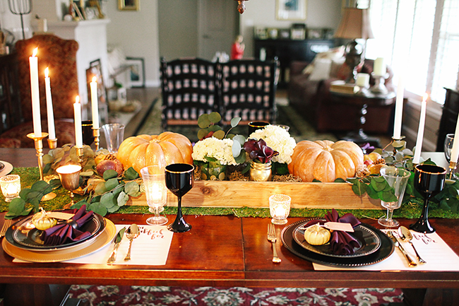 Sit down and enjoy a meal at this beautiful Thanksgiving table!