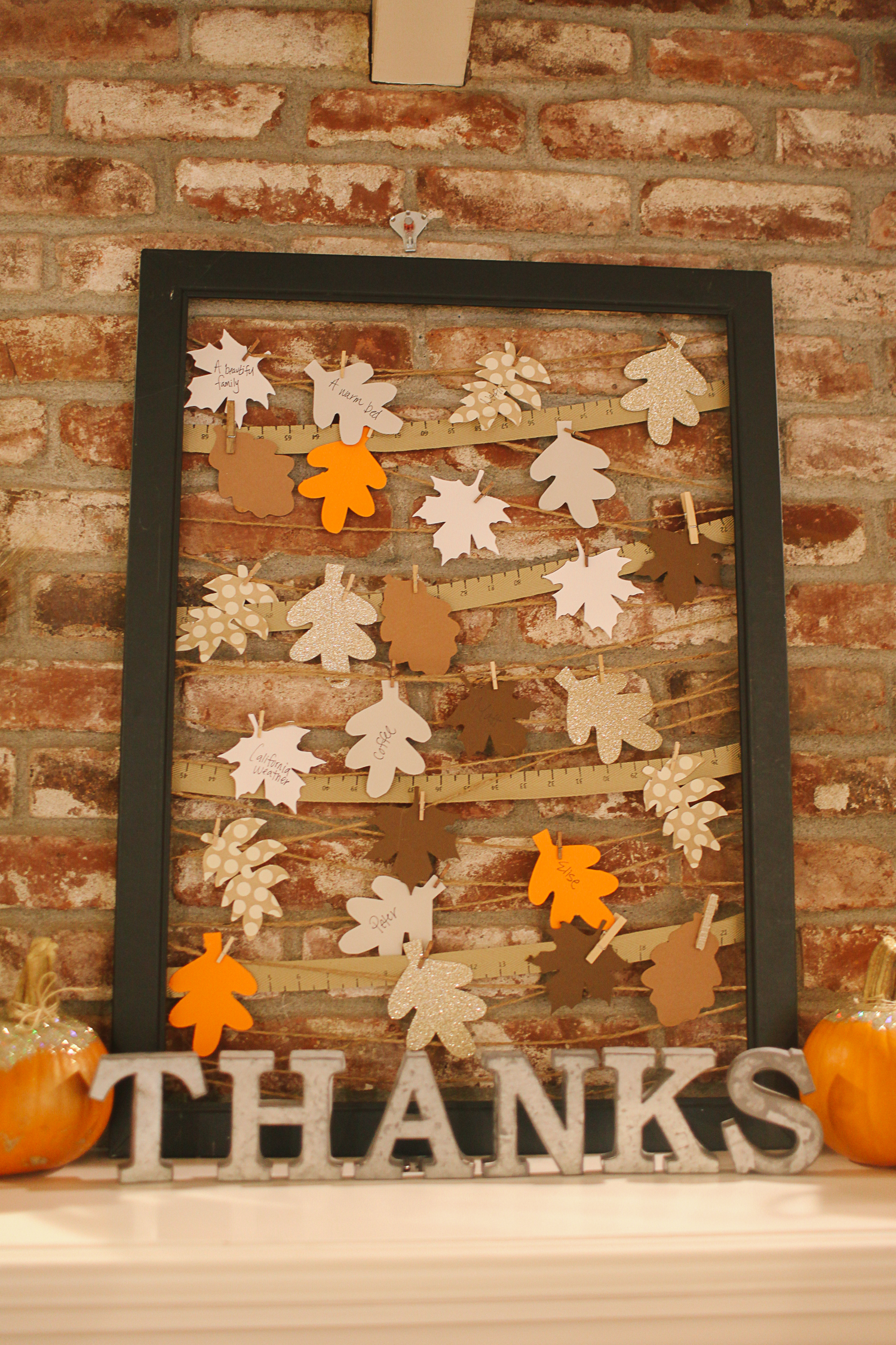 Thanksgiving decor mantle - Mantle Decorating Ideas For Fall And Thanksgiving