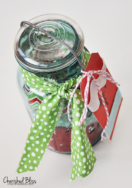 Here is a cute way to wrap a giftcard!