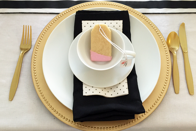 We love this darling tea bag sugar cookie. Super cute accent for a tea party.