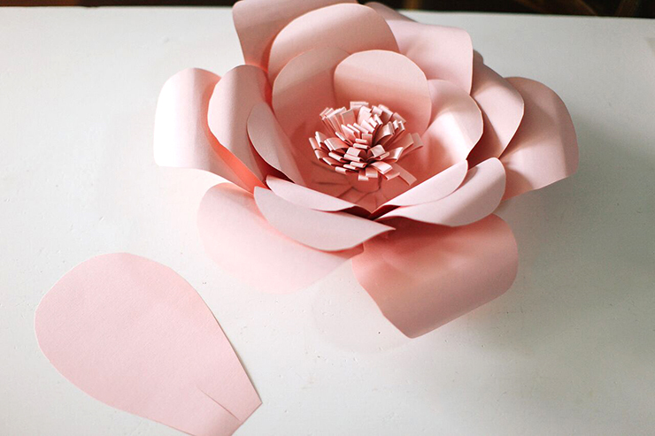 This template is perfect for creating giant paper flowers!