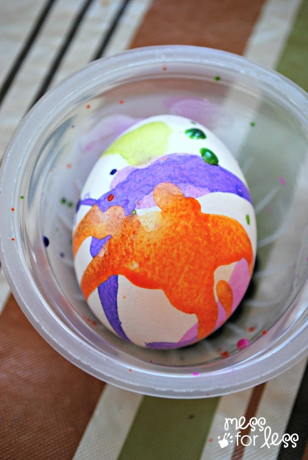 watercolor-dyed-egg