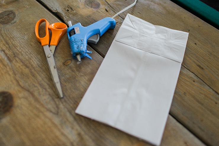 bags-scissors