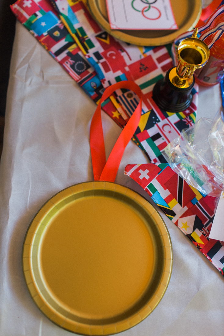 This is such a cute and easy DIY for an Olympic party!