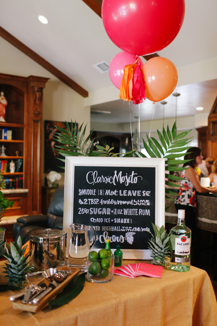 This mojito bar is SO cute! Love the Classic Mojito sign for party decor.