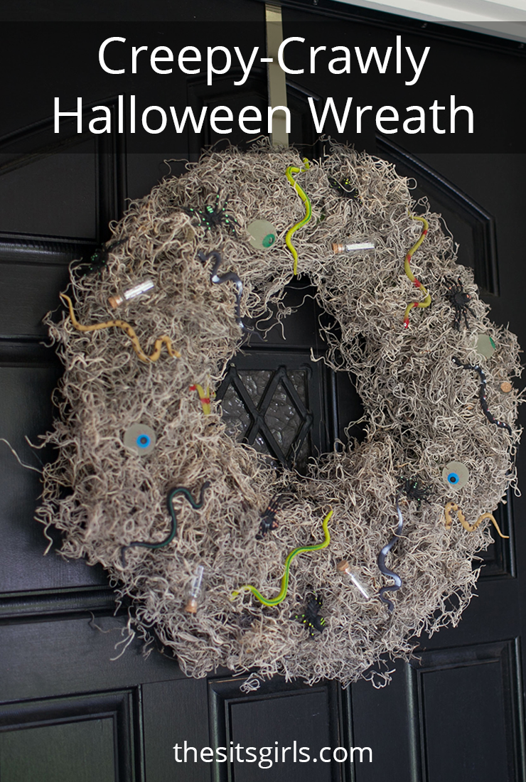 Creepy-Crawly Halloween Wreath | This project is super easy to make and the materials only cost $10!