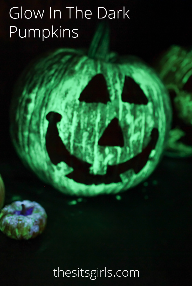 Glow In The Dark Pumpkins - awesome jack-o-lanterns without any carving!