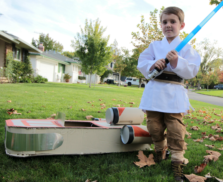 Make your own Luke Skywalker costume, complete with Luke's Landspeeder!
