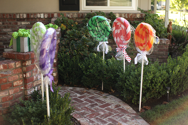 These giant lollipops are SO FUN!