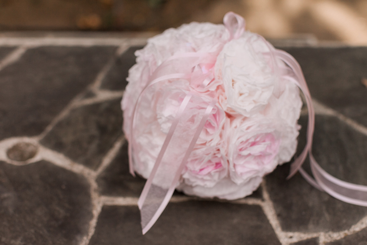 This pouf is perfect for any wedding or whimsical photoshoot!