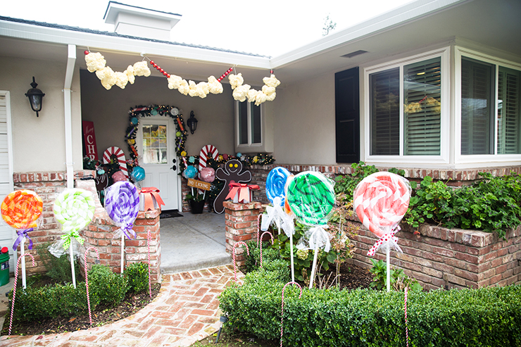 You only need a few simple supplies to decorate your house like a Gingerbread House! LOVE how cute these ideas are. It would work for a Candy Land party, too. Step by step pictures and video tutorial.