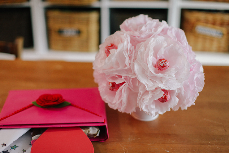 Coffee filters and lollipops come together for a cute DIY!