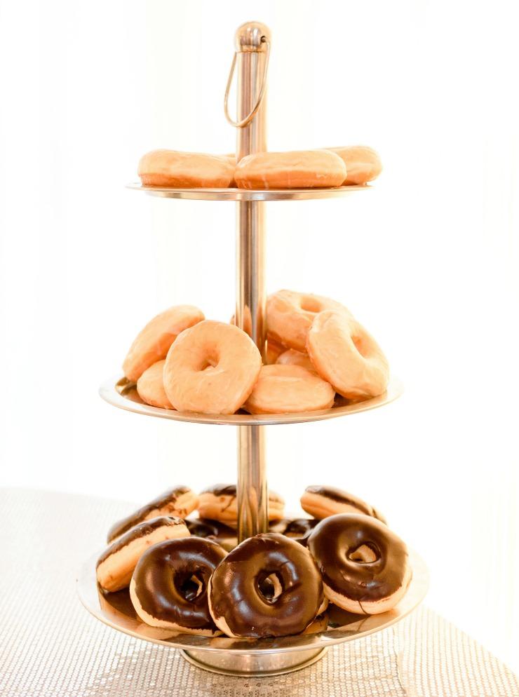 gold doughnut stand | chocolate doughnuts