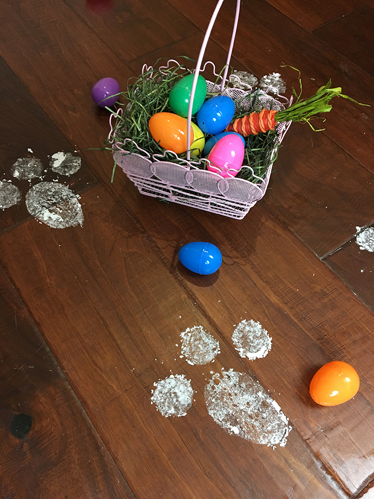 Baking soda and glitter combine to make this greatDIY for Easter.