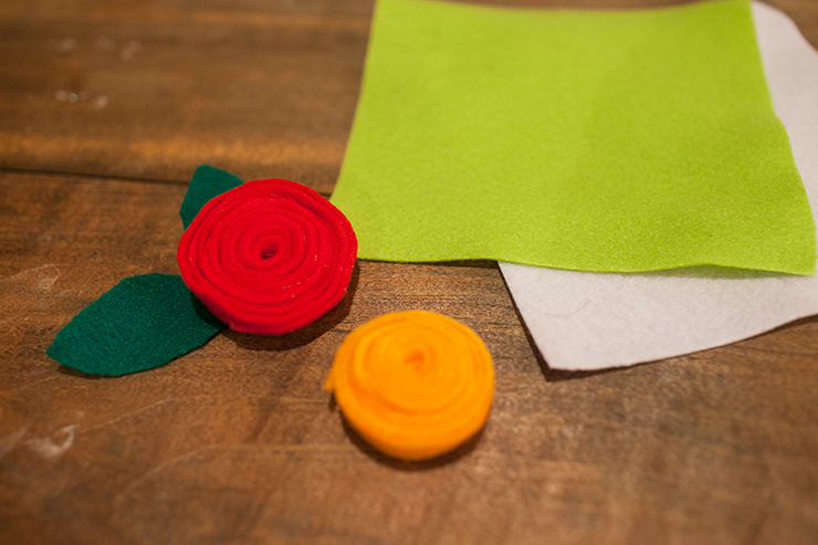 These cute flowers are made from felt! They take one minute to make!