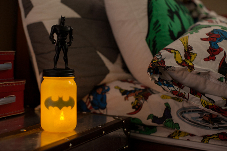 Carry this cute little light for night time bathroom trips!