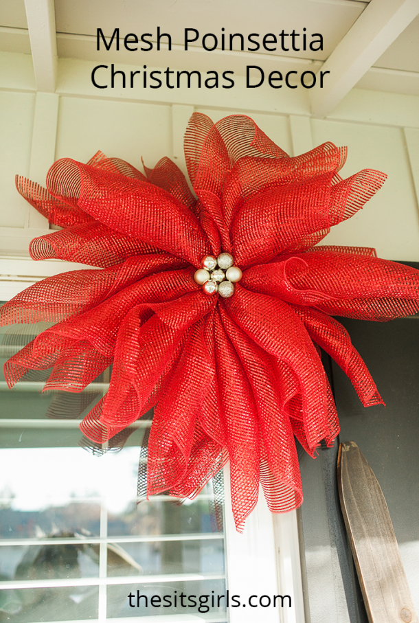 These mesh flowers are perfect for Christmas decor.